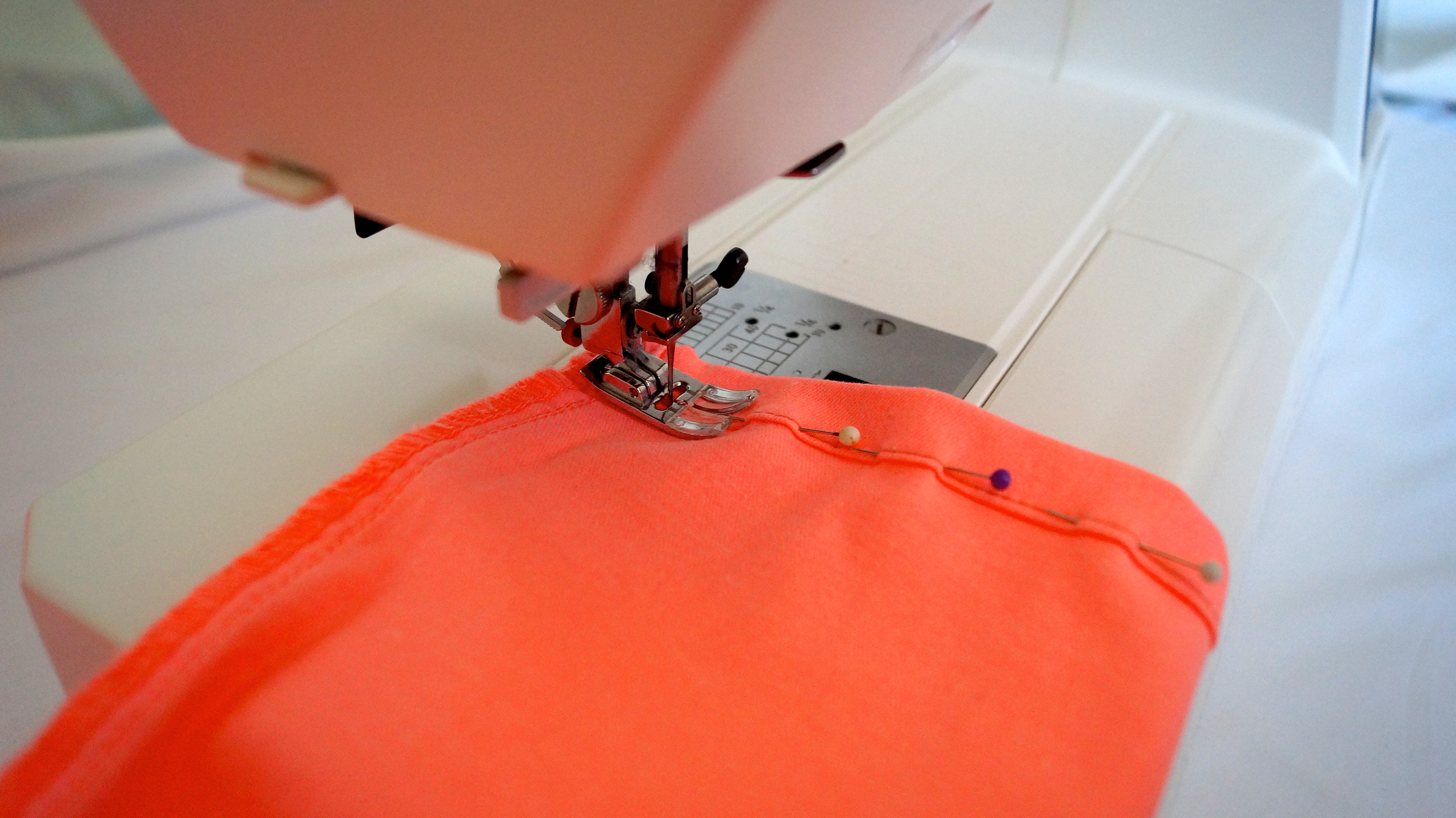 cours de couture gratuit apprendre coudre gratuitement kits couture patrons. Black Bedroom Furniture Sets. Home Design Ideas