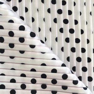 Tissu polyester plissé extensible – pois