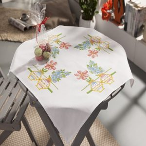 Nappe ou chemin de table à broder 80x80cm ou 40×10